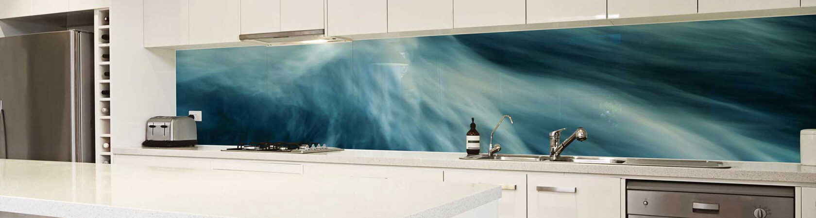 Glass splashbacks rotorua painted kitchen splashback for Interior designs rotorua